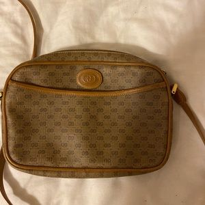 Gucci cross body bag!